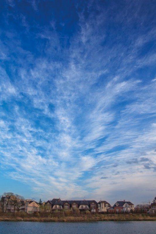 Деревушка на окраине небесphoto preview