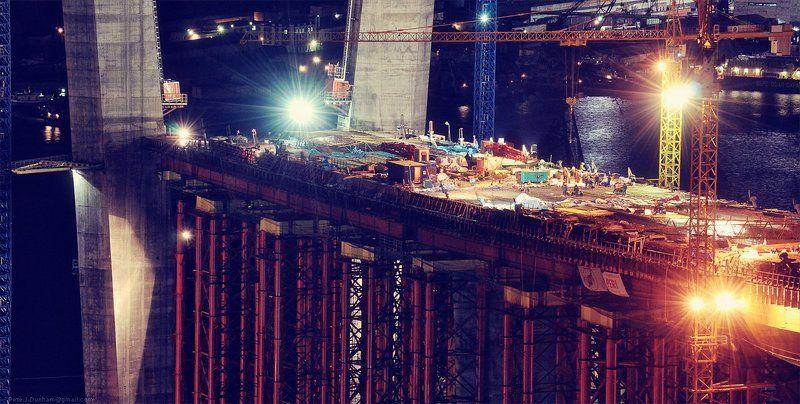 мост, золотой, рог, бухта, владивосток, огни, пилоны, саммит, атэс, apec, summit, 2012, стройка, глобальная Не спится мужичкамphoto preview