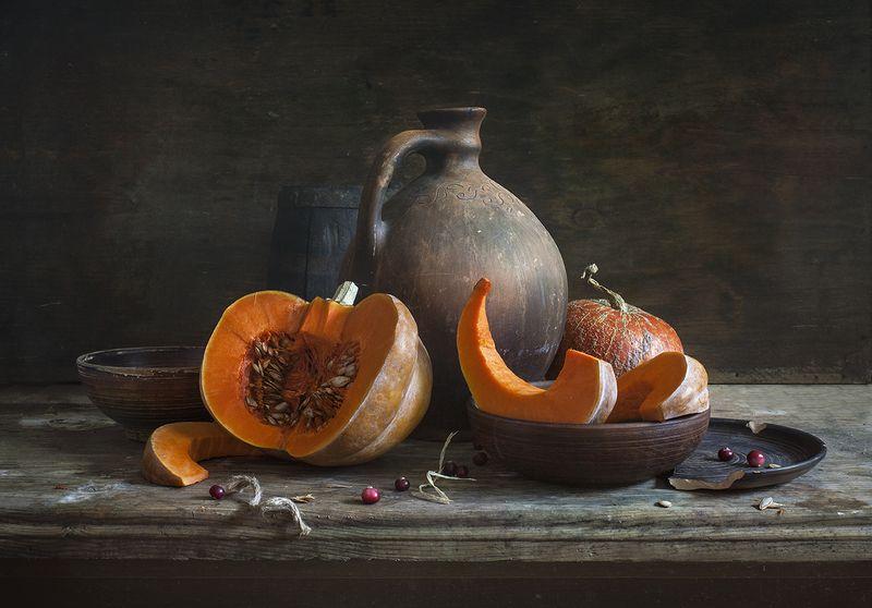 натюрморт,still life, тыква, калина, pumpkin, клюква Натюрморт с резаной тыквойphoto preview