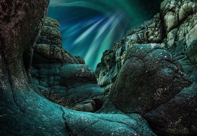 северное сияние, терибирка, мурманск На берегу Баренцева моряphoto preview