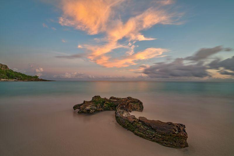 playa esmeralda, cuba, sunrise, cloud, ocean Morning palettephoto preview