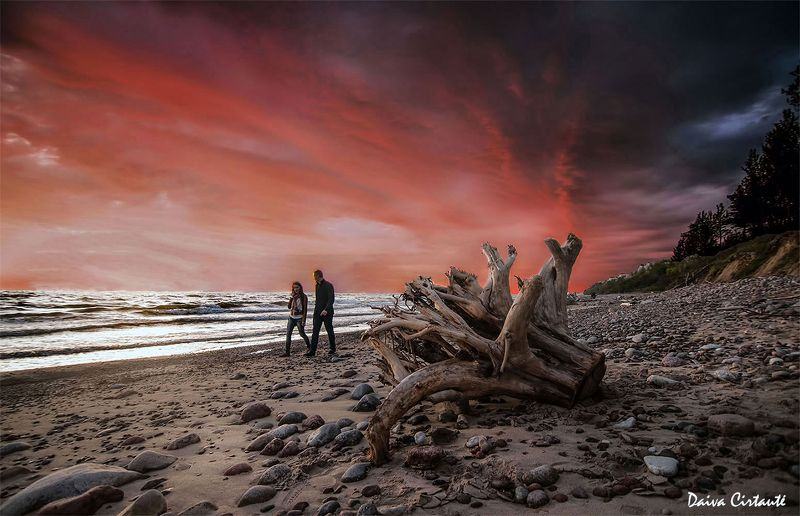 people,seascape,sunset,sky,clouds Togetherphoto preview
