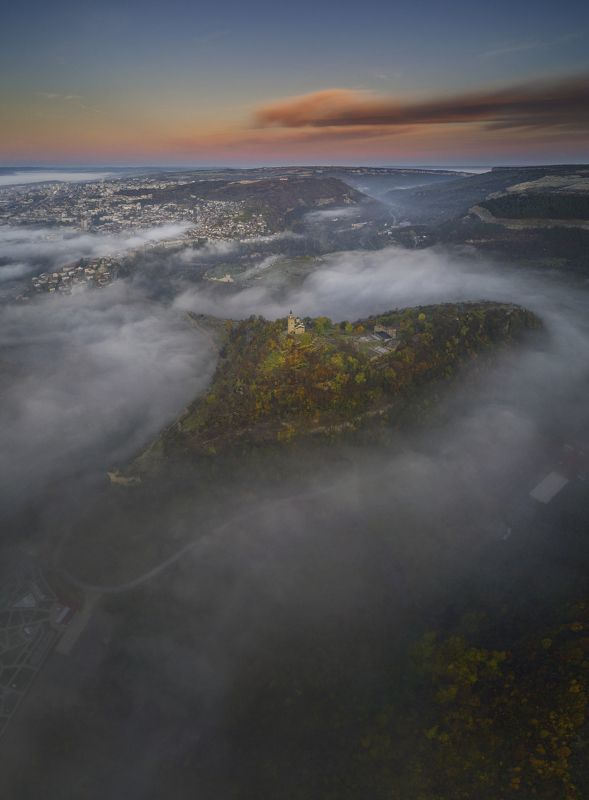 октябрь, осень, утро, царевец, туман,болгария, велико тырново Так сегодня начался день.photo preview