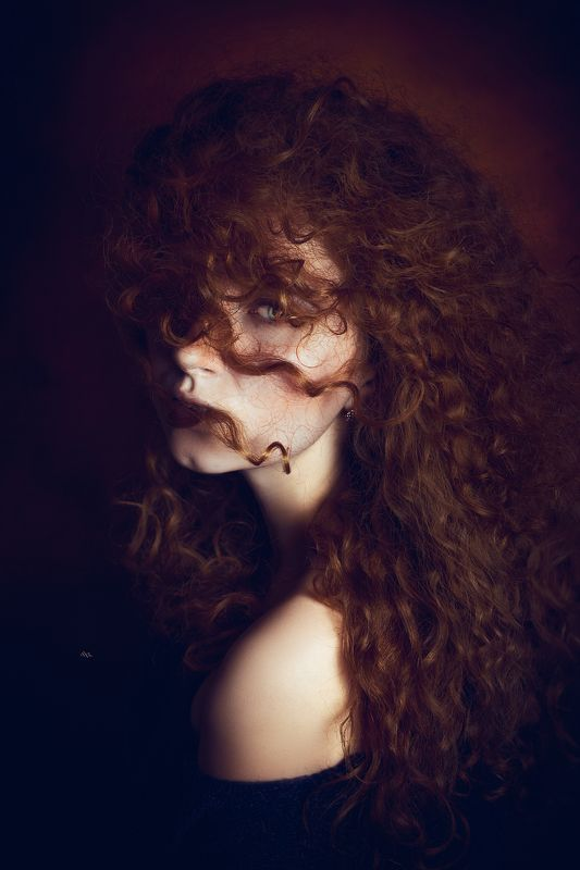woman, portrait, studio, beauty, redhead Of curves and curlsphoto preview