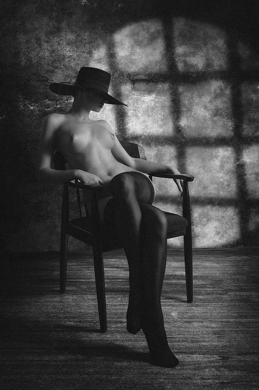 ню, эротика, портрет, картина, девушка Девушка в шляпеphoto preview