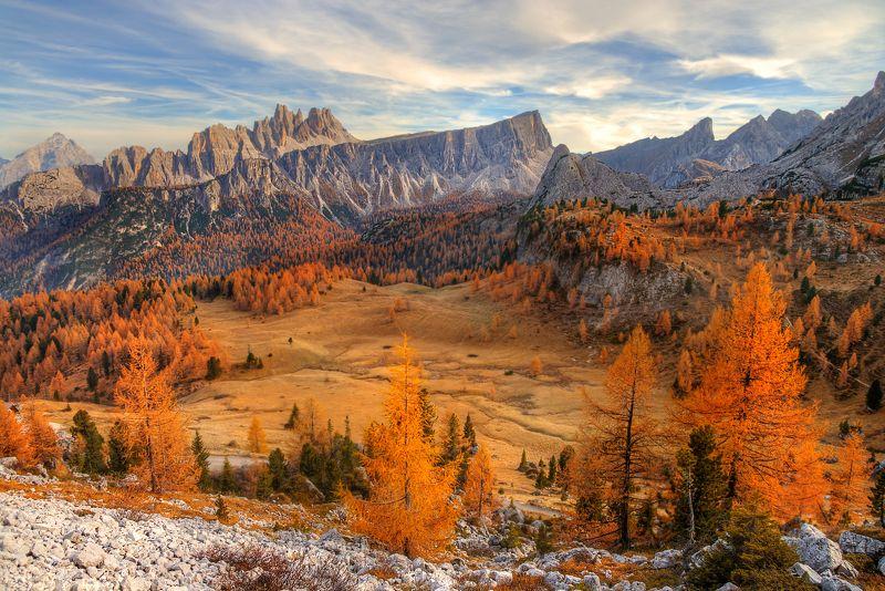 Доломитовые Альпы..Cinque Torri. Октябрь...photo preview
