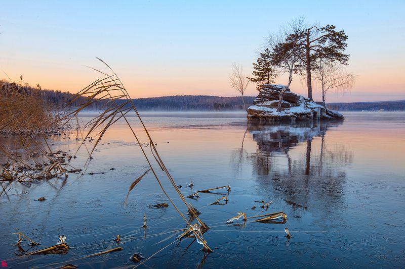 Камыш. Озеро Таватуйphoto preview