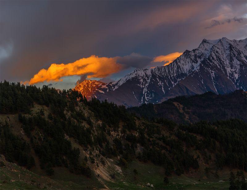природа, пейзаж, кавказ, горы, весна, вечер, закат, солнце, небо, облака, свет, Про облакоphoto preview