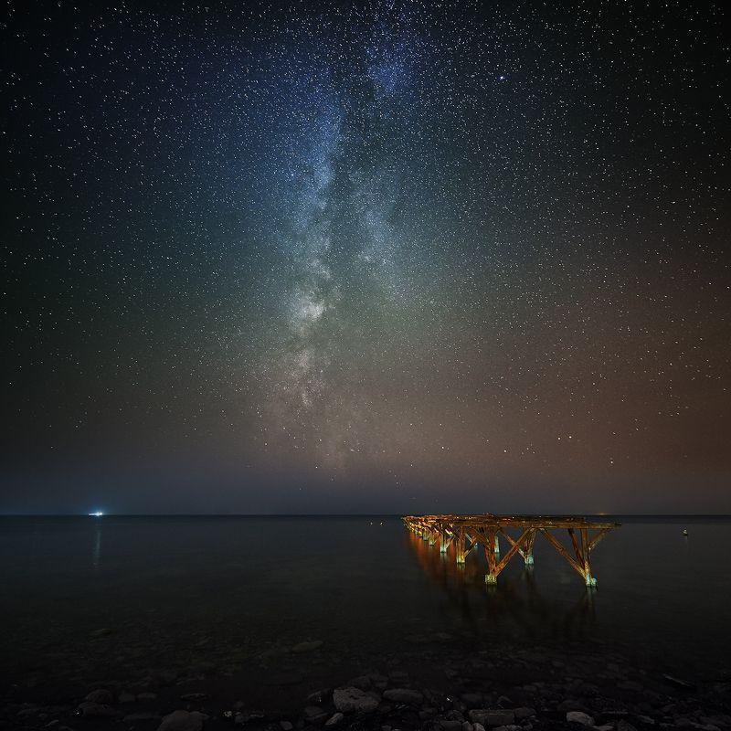 млечный путь ночное небо звезды пейзаж Старый Пирсphoto preview