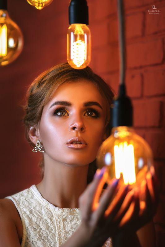 девушка, лампы Маринаphoto preview