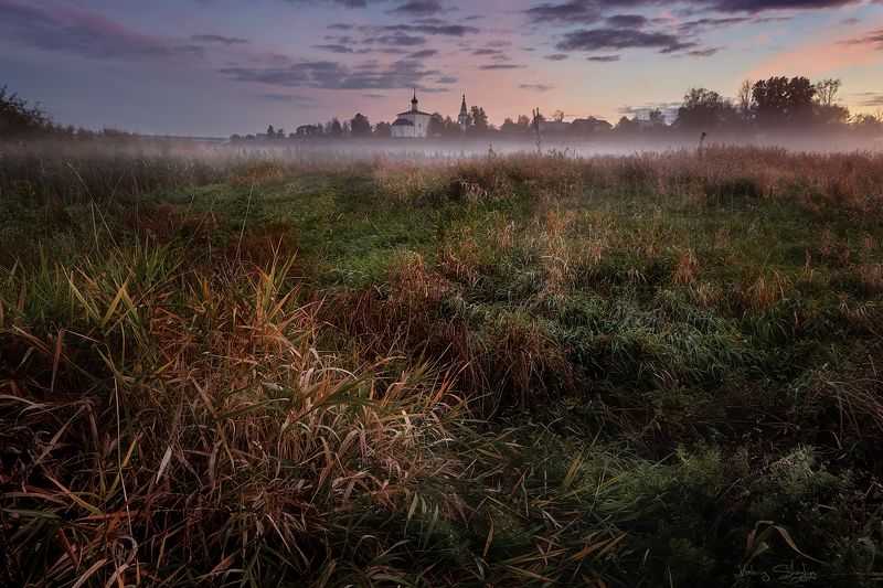 Зарождение тумана. Церковь Бориса и Глеба.photo preview