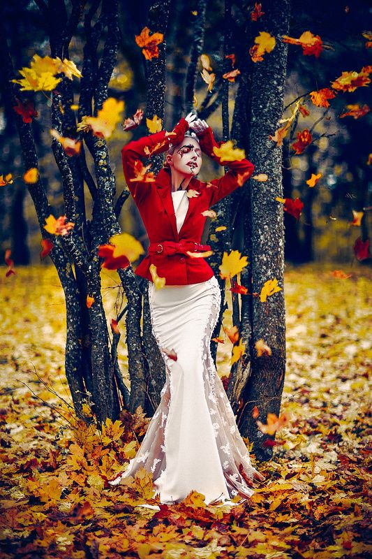 woman, portrait, fashion, bride, autumn, natural light, fall She had an Autumn Soul. Gloriously beautiful to look upon... and dying every second piece by piecephoto preview