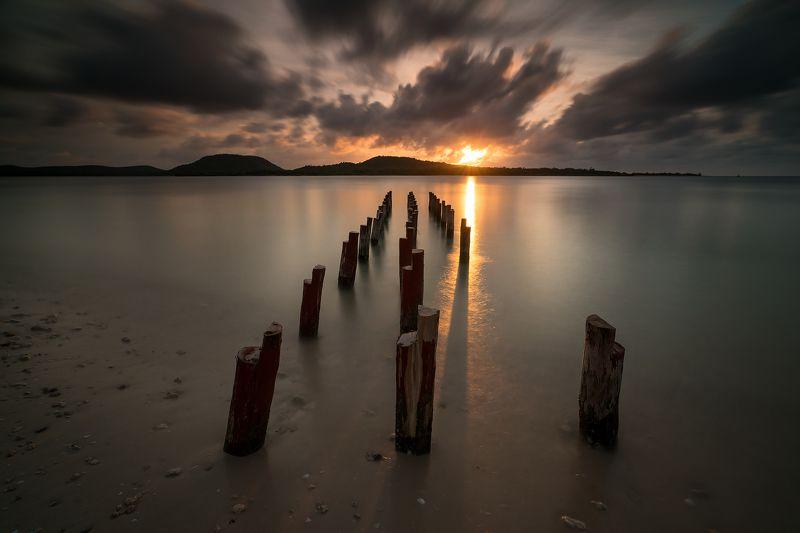 sunset, clouds, bay, ocean, pier, закат, облака, залив, океан, пирс Stormy sunsetphoto preview