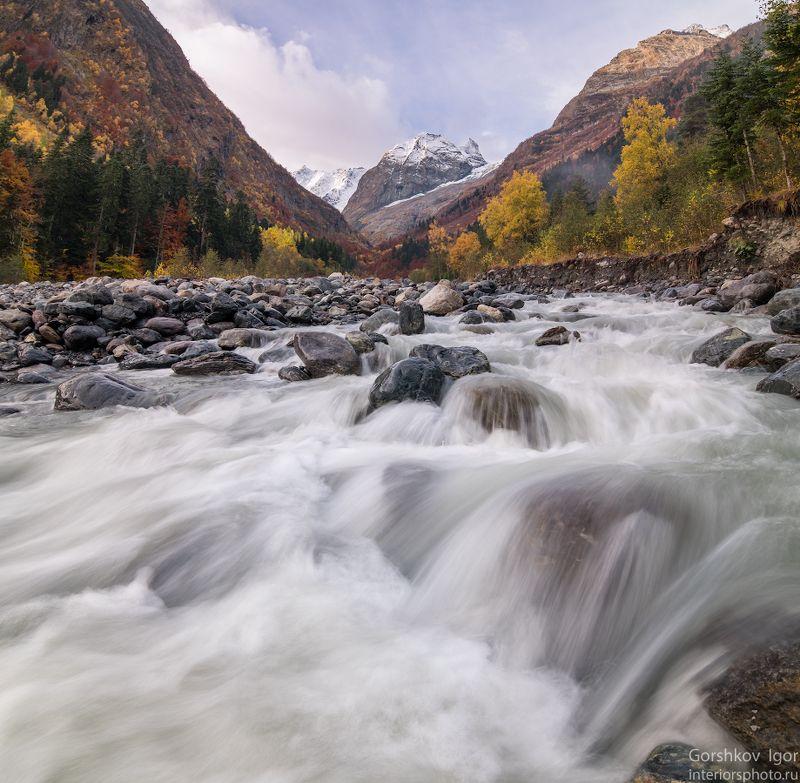 кавказ,горы,утро,река,пороги,камни,пейзаж,домбай,панорама,осень Утренний Аманаузphoto preview