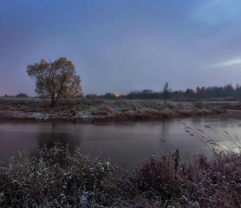 мороз, иней, рассвет, река Морозное утроphoto preview