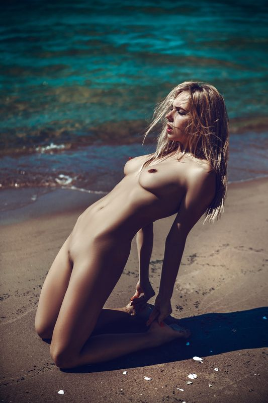 woman, nude, beach, natural light, outdoors, mood Summer vibesphoto preview