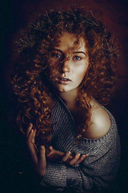 woman, portrait, redhead, studio, light, mood Born to be realphoto preview