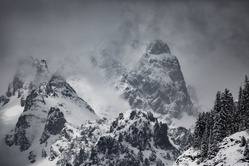 nature, mountains, oisans, france, cold, winter, frozen, stones, lovecraft, darkness, cthulhu, antarctica, in the mouth of madness, carpenter, nature photographe, clouds T E K E L I - L Iphoto preview