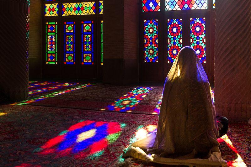 Иран, путешествия, наследие древности, мечеть, архитектура Мечеть тысячи красок photo preview