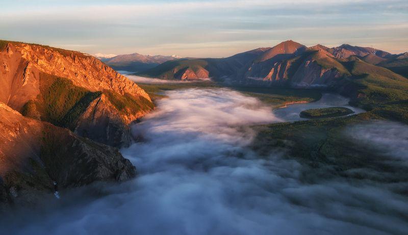 Якутия. Туманы над Индигиркой.photo preview