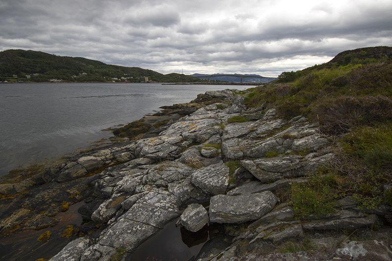 норвегия У белых камнейphoto preview