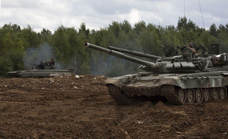 наши танкистыphoto preview