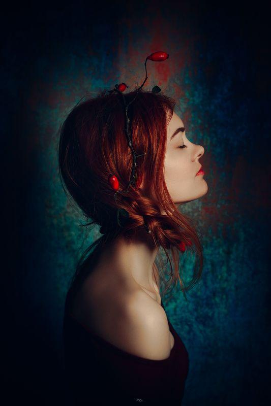 woman, portrait, studio, art, beauty, berries, redhead Autumn berriesphoto preview