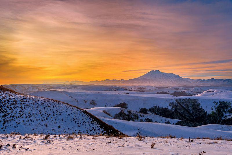 утро,эльбрус,гумбаши,кчр Утро на перевале Гумбашиphoto preview