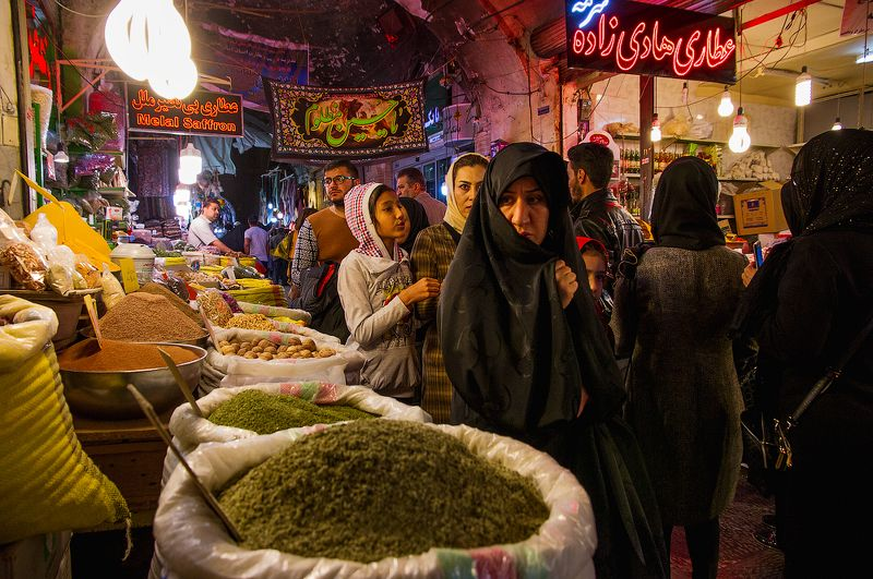 #Иран #Ruexpedition #Isfahan #Travel #Наследиедревности #путешествуйвместеснами Исфаханский базарphoto preview