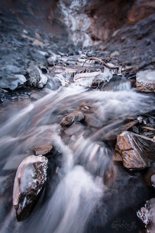 ice, long exposure, waterfall, frozen, mythologies, france, oisans, snow, stones, blue and red, scandinavian, pagan, soul, nature, nature photographe Ymir\'s Remainsphoto preview