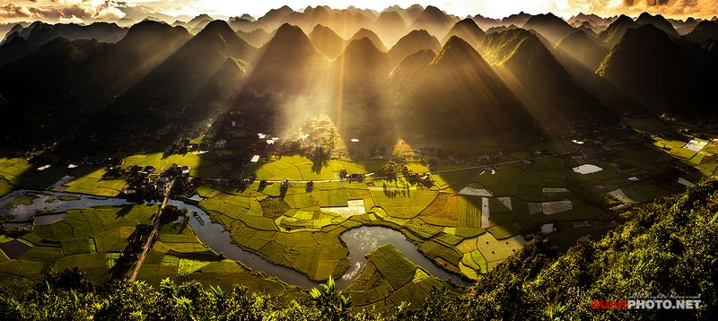 quanphoto, landscape, morning, sunrise, dawn, mountains, rays, valley, fields, rice, farmland, agriculture, river, sunlight, vietnam SunRays Morningphoto preview