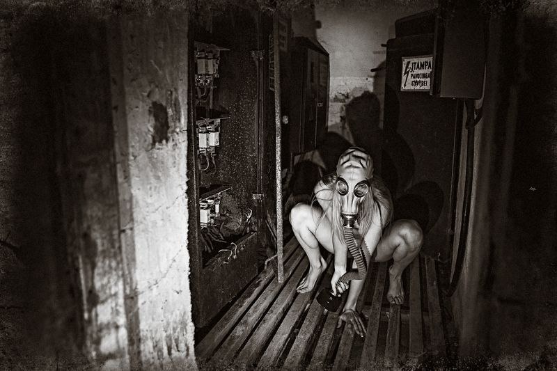woman, nude, conceptual, apocalypse, abandoned, gasmask Daughter of the Apocalypsephoto preview