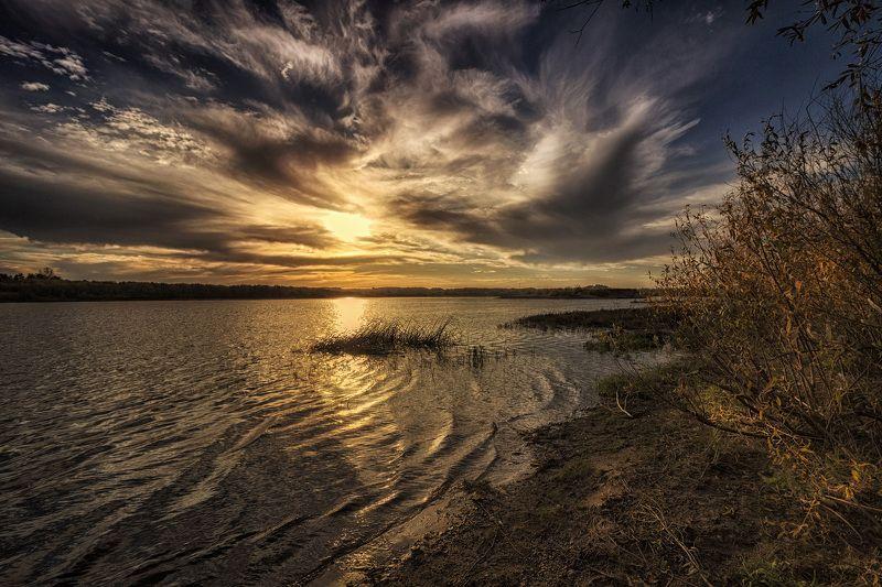 закат, осень, река, небо, облака, отражение, солнце Закат взволнованного неба 2photo preview