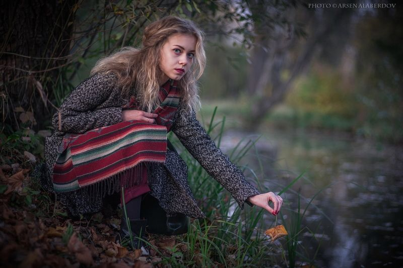 осень, портрет, девушка, блондинка, модель, глаза, вода, лист, лес ДЕВУШКА ОСЕНЬphoto preview