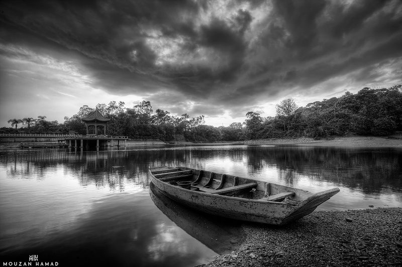canon , china , black & white , travel , landscape lonely boatphoto preview