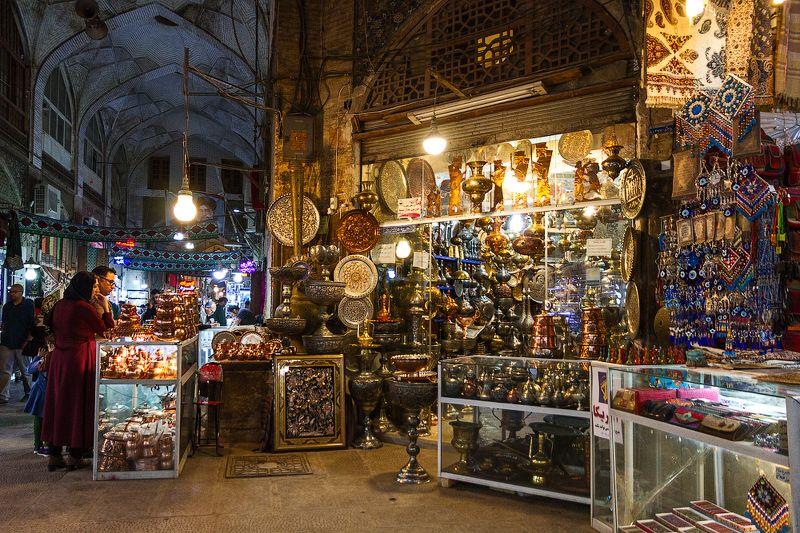 #Иран #Ruexpedition #Isfahan #Travel #Наследиедревности #путешествуйвместеснами Среди старинных богатствphoto preview