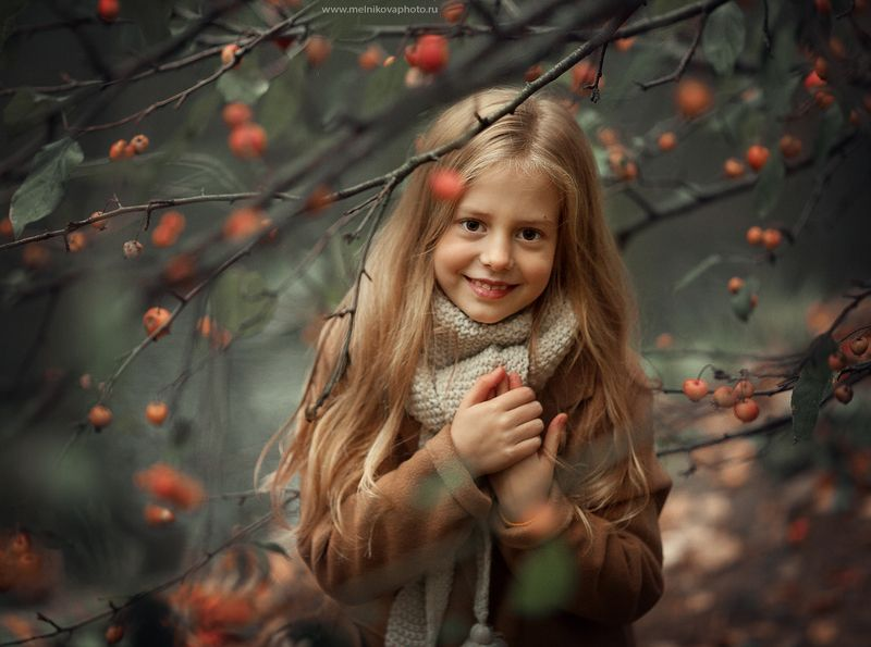 кутаясь в осень, согревайтесьphoto preview