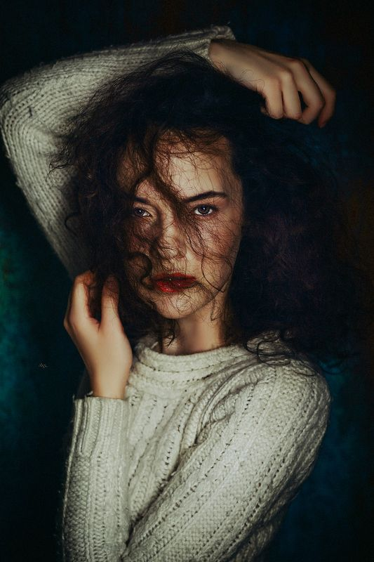 woman, portrait, studio, beauty, eyes Follow the passionphoto preview