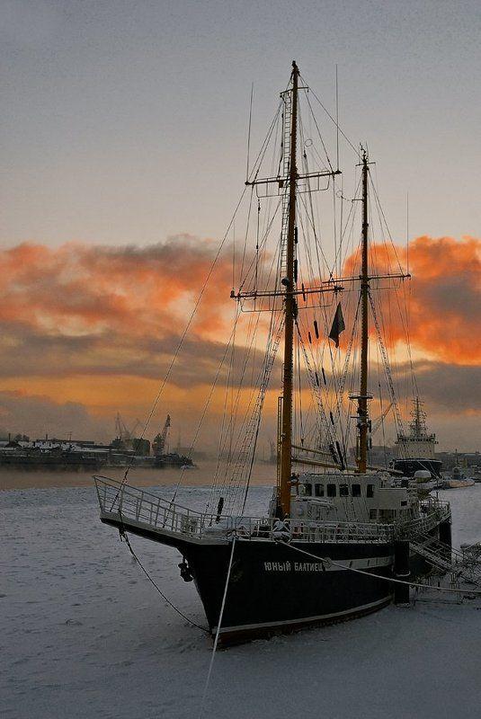 Алые парусаphoto preview