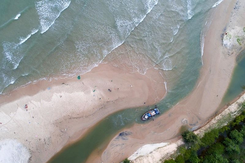 Вьетнам, море, река, корабль, рыбаки, аэро, дрон, aerial Выход в мореphoto preview