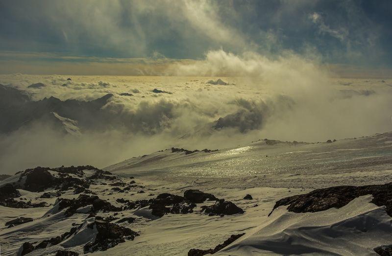 бушует море облаков...photo preview