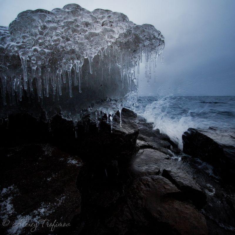 Вода и ледphoto preview