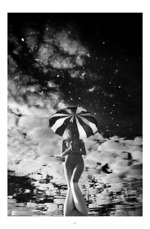 woman, water, nude, reflection, umbrella, black and white, beauty В зазеркальеphoto preview