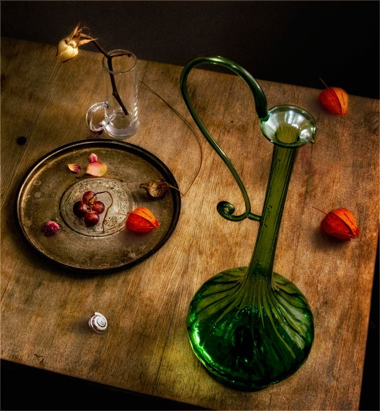 still life, натюрморт,   винтаж, кувшин, физалис, роза, цветок, виноград, улитка, стакан, тарелка натюрмортphoto preview