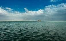Одинокий островок...