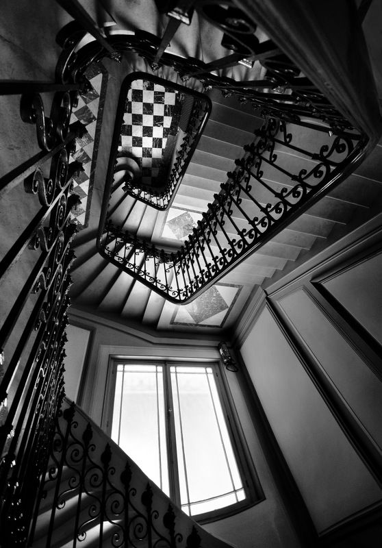 city, architecture, black & white, paris, stairs, surreal, upside-down, day light, depth Падая вверхphoto preview