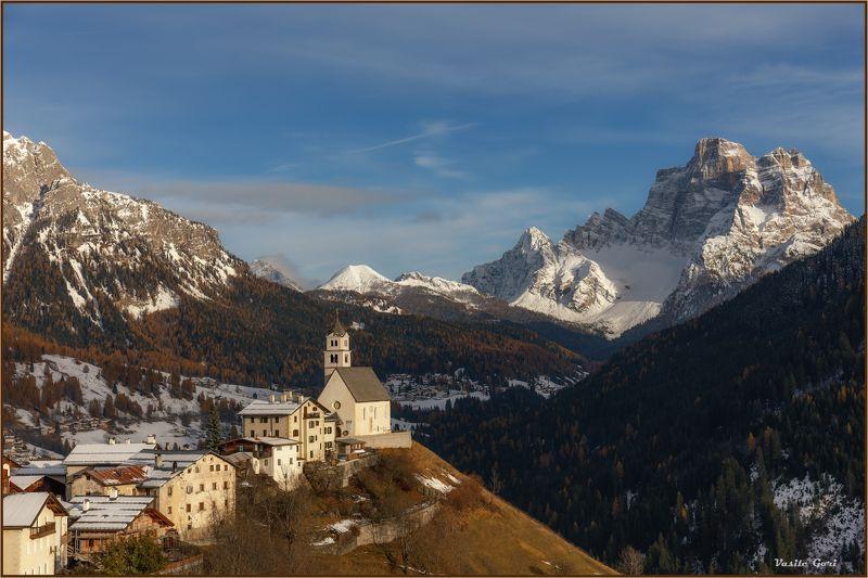 доломитовые альпы, италия, осень, деревня, церквушка, monte pelmo, снег, santa lucia. Santa Lucia.photo preview