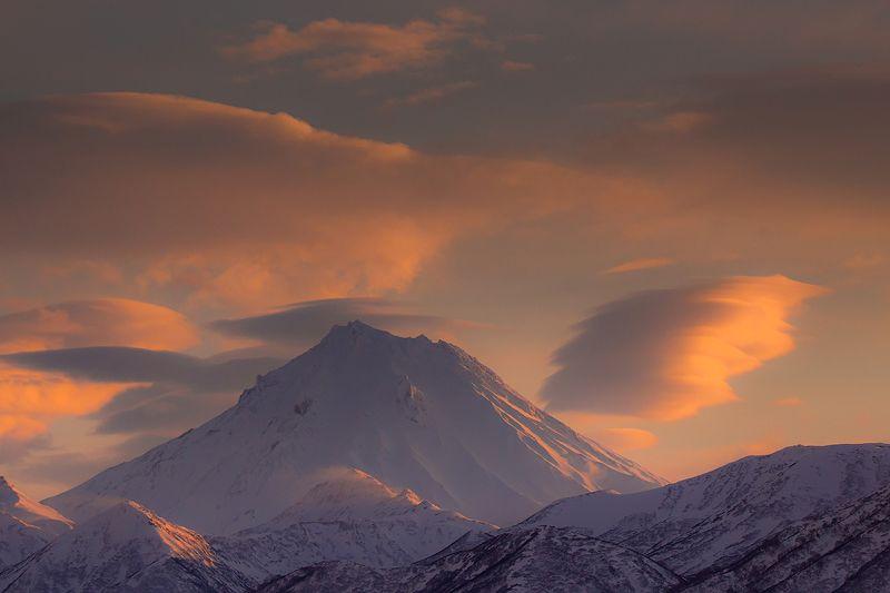 Камчатка, пейзаж, природа, путешествие, вулкан, россия, фототур, зима Закат над Камчаткойphoto preview