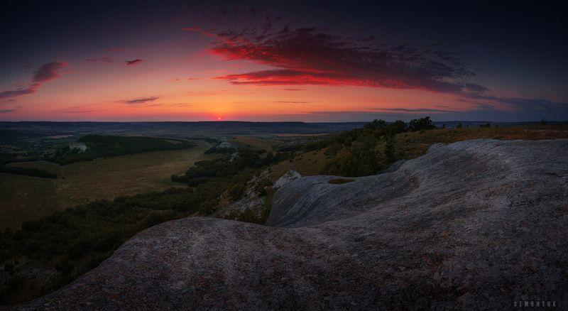 крым, белокаменка, закат, кара-тау, скалы, солнце, облака, панорама. Провожая Солнце.photo preview
