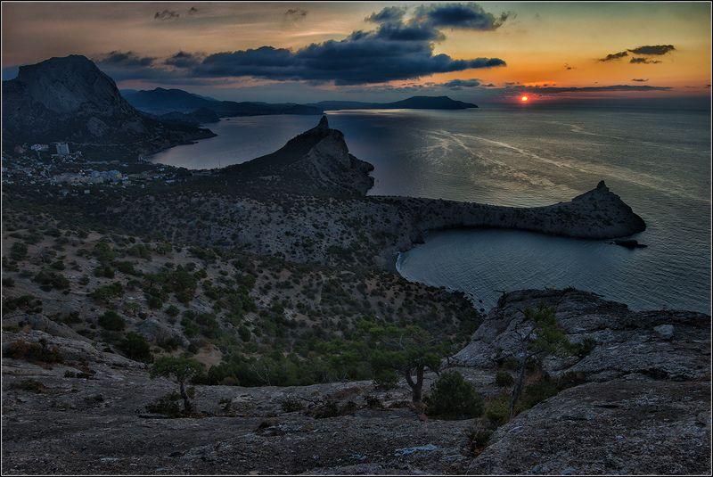 крым, осень, утро, новый свет, море, солнце Наблюдая восход солнцаphoto preview